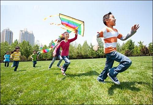 户外活动_儿童户外活动时间日渐减少